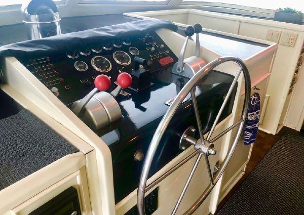 Hatteras 61 Motor Yacht image