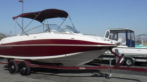 Tracker Tahoe 228