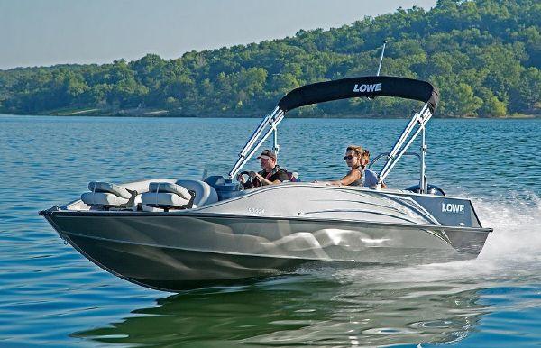 2021 Lowe SD224 Sport Deck