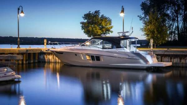 Cruisers Yachts 45 Cantius Black Diamond Edition