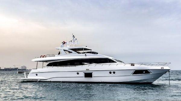 Majesty Yachts 90