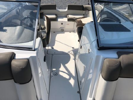 Yamaha Boats 242 Limited S image