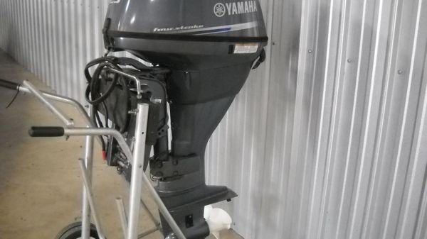 Yamaha F25LA