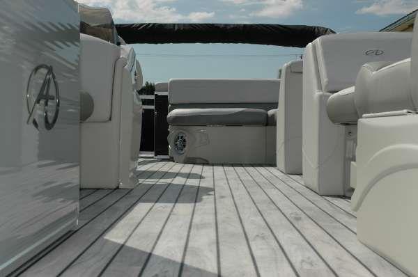 Avalon 22' LSZ Cruise Tri-Toon image