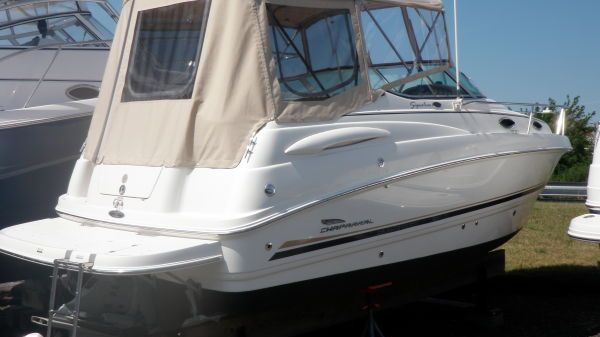 Chaparral 240 Signature Cruiser Photo 2
