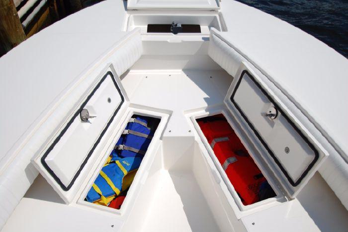 2008 Regulator 32 Forward Seating Brokerage BoatsalesListing