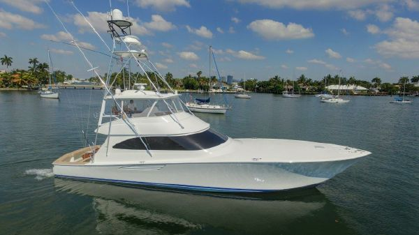 Viking Yachts 66 Convertible Kick'n It