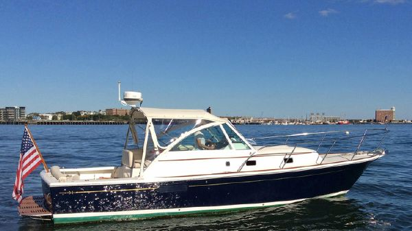 Hunt Yachts Surfhunter 33 REMEDY
