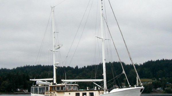 de Haas Shipyard 60' Motorsailer 1968/94 1 Stbd. bow.
