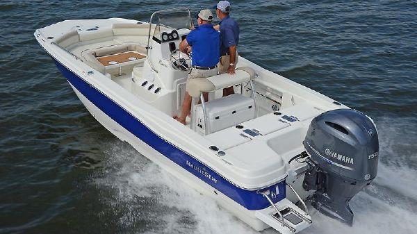 NauticStar 211 Angler Combo Deck ns211 coastal running.jpg