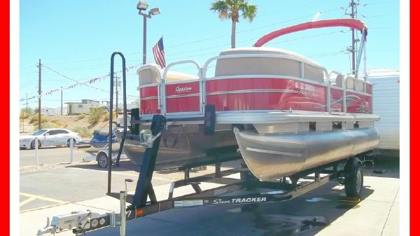 Sun Tracker 18' Party Barge