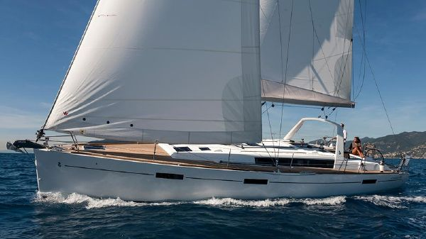Beneteau Oceanis 45 Boats For Sale - Ocean Yacht Sales in Canada