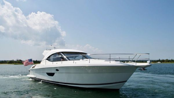 Riviera Cruiser 4400 LOW HOURS