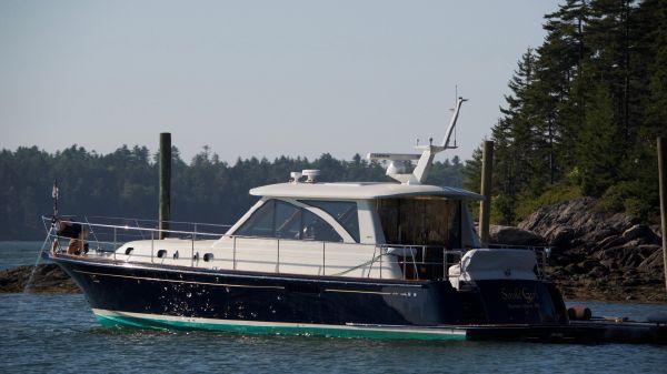 Hunt Yachts 44