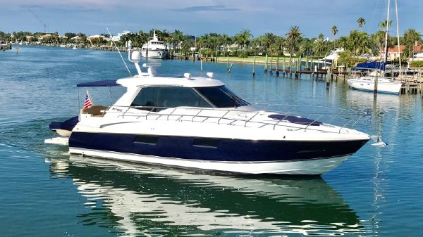 Cruisers Yachts 480 Cantius Profile
