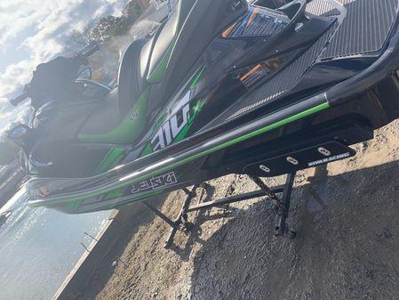 Kawasaki Ultra 300LX image