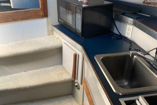 Carver Montego 27 Dual cabin image