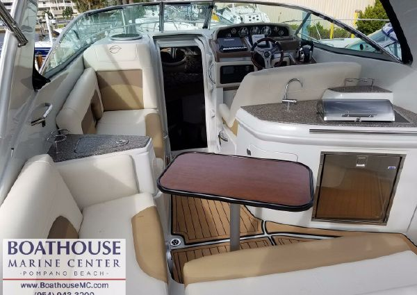 Crownline 294 CR image