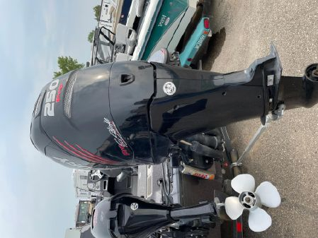 Triton 206 Fishunter image
