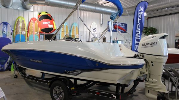 Stingray 192 SC Deck Boat