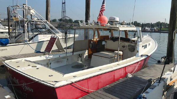 Holland lobster yacht finish