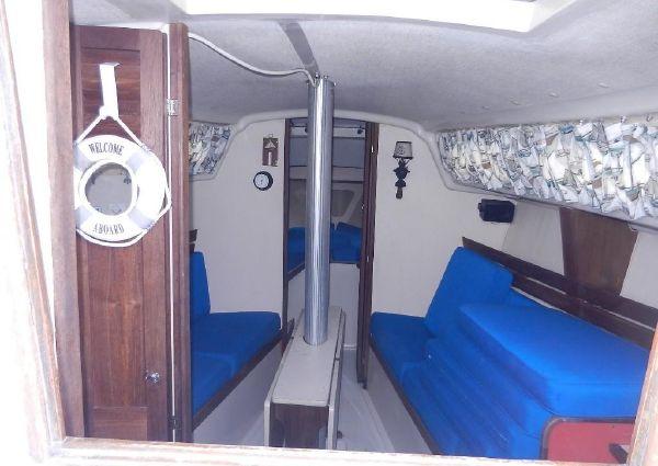 O'Day 32 Center Cockpit image