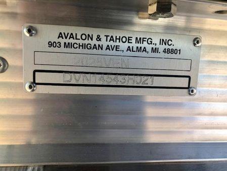 Avalon VENTURE 2080 QUAD LOUNGE image