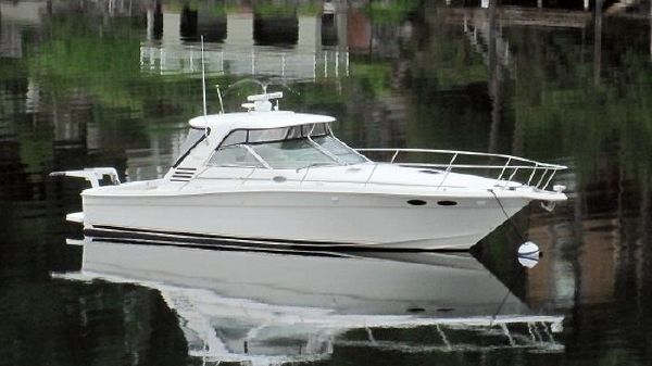 Sea Ray 370 Express with Factory Hardtop