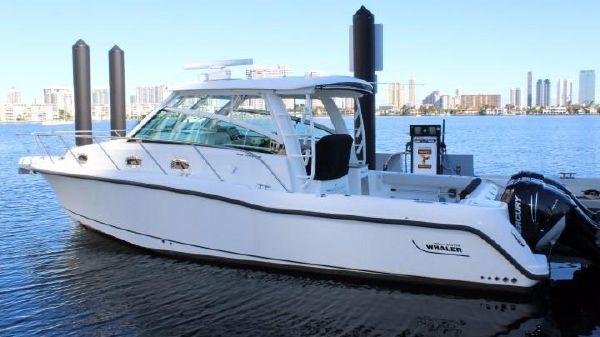 Boston Whaler 345 Conquest Vessel