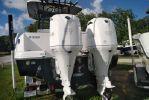 Robalo R302 Center Consoleimage
