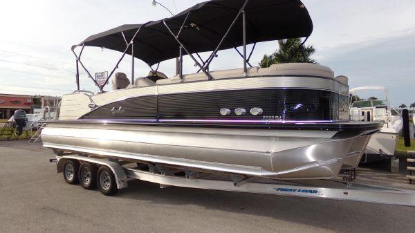 Avalon Catalina Rear J Lounge