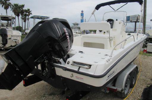 Boston Whaler 200 Dauntless image