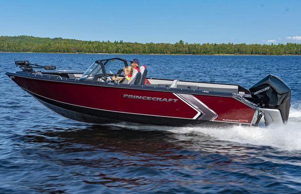 2021 Princecraft Platinum SE 227