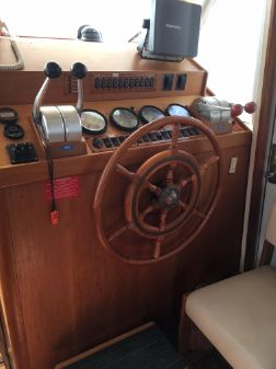 Mainship 43 Trawler image