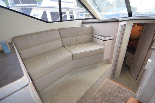 Bayliner Avanti 3258 image