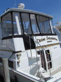 Carver 400 Cockpit Motor Yacht image