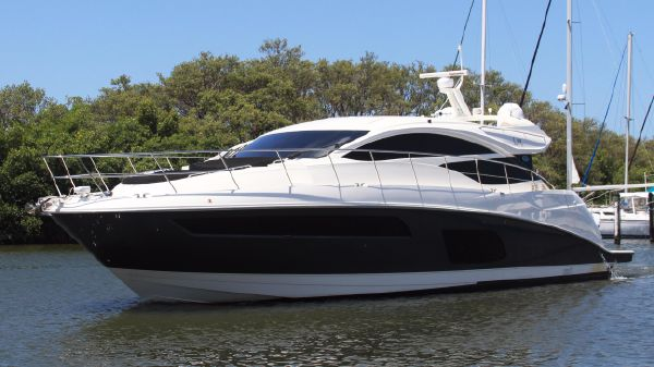 Sea Ray L590 Sea Chill'n - L590 Sea Ray 2016