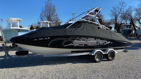 Sea-Doo Sport Boats 230 Wake