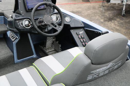 Skeeter ZX200 image