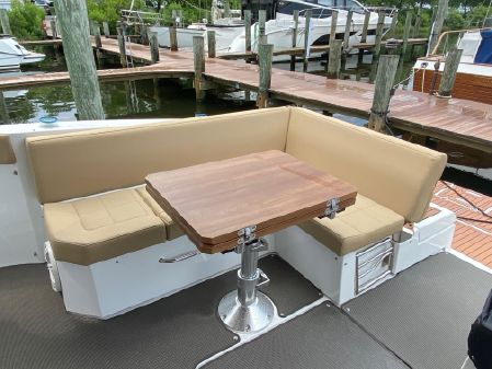 Cruisers Yachts 390 Express Coupe image