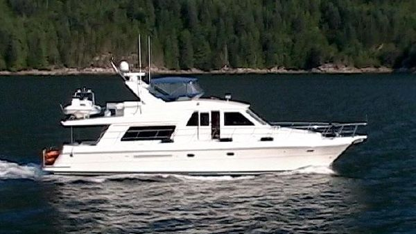 Compass Yachts Raised Pilothouse 55 Compass Raised Pilothouse Underway!