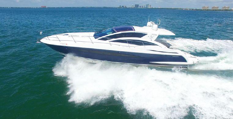 2008 Savannah Hinckley Express Cruiser