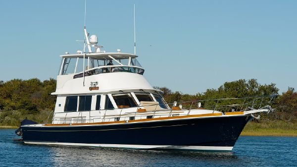 Grand Banks 58 Eastbay Flybridge Profile