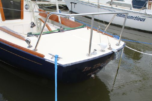 Alerion 28 with Trailer! image