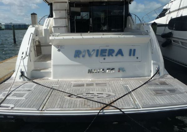 Sea Ray L590 Fly image