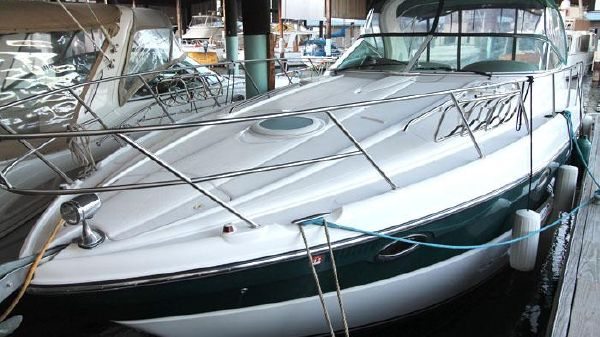 Maxum 3700 Sport Yacht