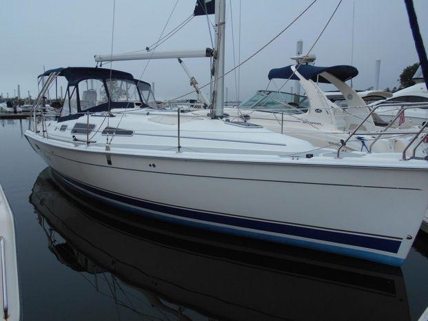 2011 Hunter 33 Westport, Connecticut - Springline Yacht Sales
