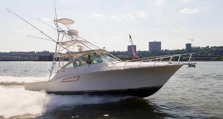 2004 Cabo 40 Express