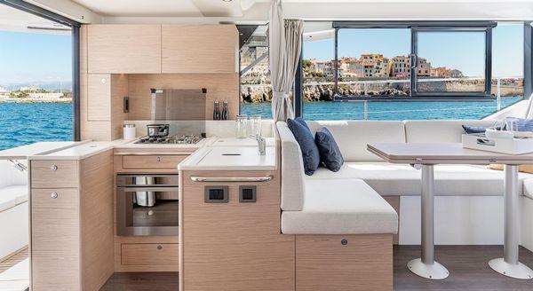 Beneteau 41 Swift Trawler Sedan image