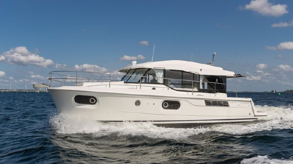 Beneteau 41 Swift Trawler Sedan